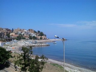 PANORAMICO, DI FRONTE LE ISOLE EOLIE