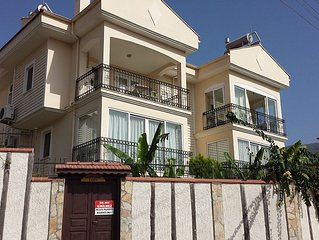 2 BEDROOM LUXURY GROUND FLOOR APART ON SMALL COMPLEX WITH POOL PERFEC LOATION