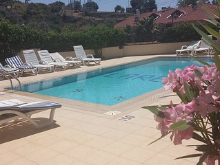 2 BEDROOM  GROUND FLOOR APART ON SMALL COMPLEX WITH POOL PERFEC LOATION