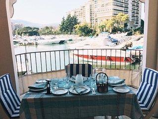 Sunny spacious apartment overlooking marina, near to beach and Golf