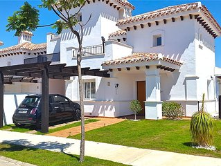 Great Frontline Golf Villa With Private Pool And Free Wi-Fi