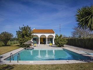 Villa with a wide private swimming-pool