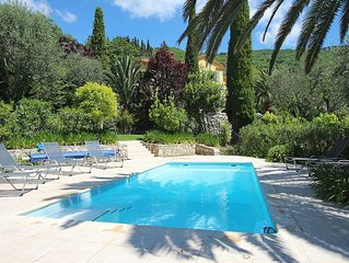 Villa in Chataunef de Grasse, Cote d'Azur with Private Pool and Stunning Views