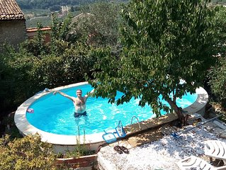 Little villa with garden and pool, just outside Rome on the Sabina hills