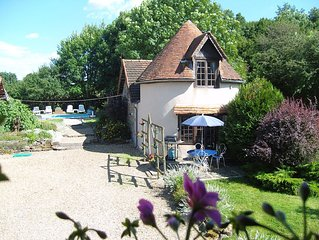 PIGEONNIER:1 OF 6 PEACEFUL SELF-CATERING UNITS WITH POOL FOR COUPLES
