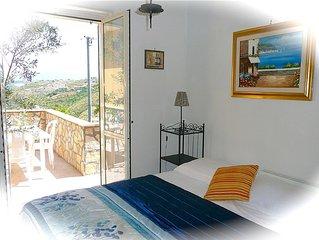 Castellabate - Apt Amarena – 2 bedrooms – sleeps 5 – sea views – wi-fi - parking