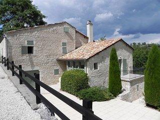 Maison pour 6 au coeur d'une ancienne bastide renovee proche de nos vignes