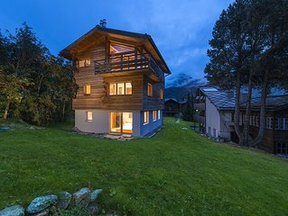 Stunning, contemporary, spacious chalet with tremendous views