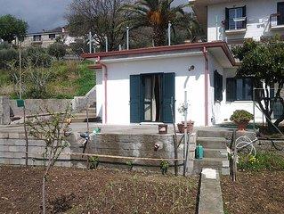 Casa indipendente con ampio terrazzo e giardino dotata di tutti i confort
