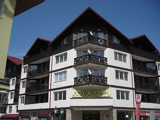 1 Bedroom top floor apartment mountain views - 100 metres from ski lifts