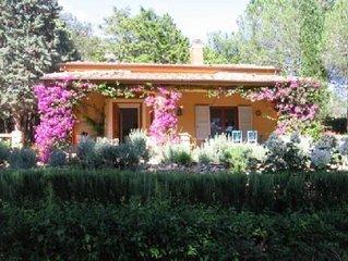 Casa con giardino in collina