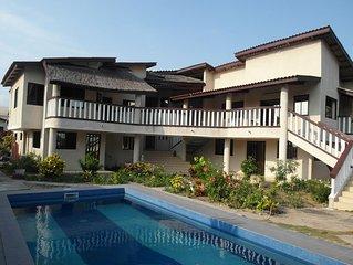 Grand Popo (Benin): Maison de caractere avec jardin, vue panoramique et piscine