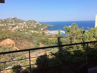 BETWEEN SEA AND ESTEREL, Panoramic port of Figuerette