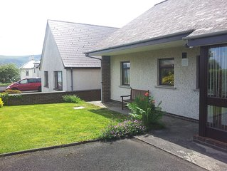 A Spacious Holiday Cottage Close To Beach And Golf Course. 4 Bedrooms, Sleeps 6.