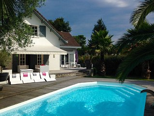 Biarritz-Anglet-Chiberta, belle Villa proche plages et golf, piscine chauffée