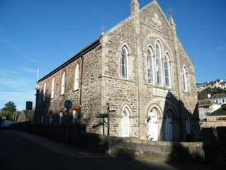 Lovely apartment in a converted chapel, close to the Harbour in Mevagissey.