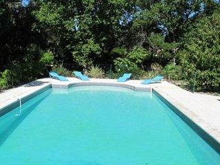 Villa 8 pers sur 2500m2 - grande piscine - proche Mont Ventoux