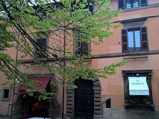 Appartamento per locazioni turistiche a Viterbo in palazzo d'epoca
