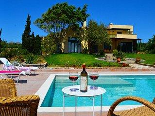 Villa Ellie, Premium Residence For Relaxing Vacat