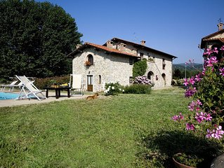 VILLA CASE ARNO, close to Florence, private pool, wood oven, fenced, very quiet