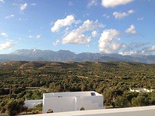 Magnifique Villa Crete Sud region matala, dominant la Messara et la mer.