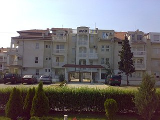 FAMILY -FRENDLY SUNNY BEACH APARTMENT WITH TWO SWIMMING POOLS AND RESTORANT