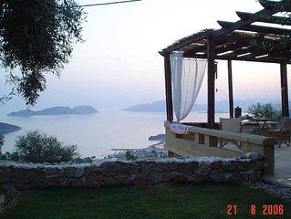 Melolia A1  Case di vacanza con piscina e vista meravigliosa al tramonto