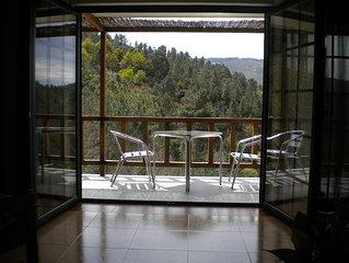 Casa do Vale - casa inteira, com vista sobre a bela serra do Açor.