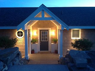 Oceanfront Retreat For Your Family or 2 or 3 Couples.