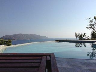 Ferienhaus mit Salzwasser-Pool und eigenem Strand in traumhafter ruhiger Lag