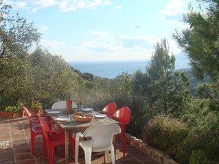 Haus mit Blick auf Meer und Malaga
