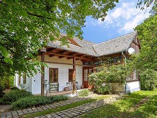 Traumhafter Urlaub in stilvollem Designer-Landhaus nahe Budapest