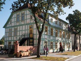 Am Havelberger Dom in altem Fachwerkhaus