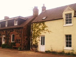 Cosy Family And Pet Friendly Farm Cottage In Peac