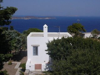 Traditional villa in Hora with sea view to the Aegean