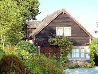 Cosy, traditional-style cottage - for two bedrooms see our other listing