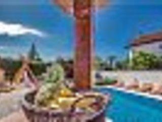 Luminosa villetta in Residence con piscina e con ampio terrazzo con barbecue.