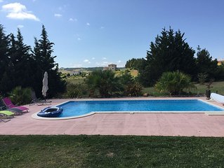 Stunning villa surrounded by vineyards with stunning views close to Carcassonne
