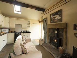 Luxury Boutique Cottage - Cheese Press Cottage - Sleeps 2 (1 bedroom)