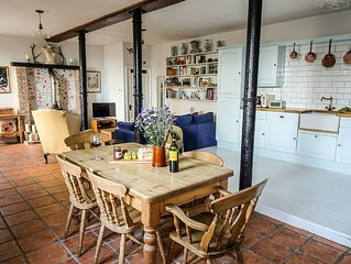 Beautiful converted Grade-II listed farm stables