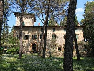 Appartamento prestigioso in palazzo con torre del 1200, piscina, giardino