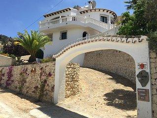 Villa Kaya (Das Juwel) in herrlicher zentraler Lage zwischen Meer und Ort