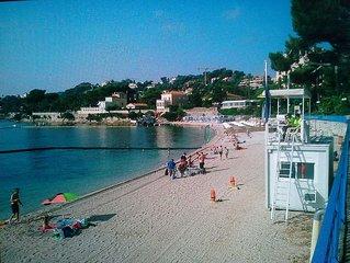 bristol III - studette - Joli plage surveille a 50 metres.