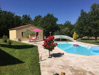 Soleil et piscine au coeur de la Provence !