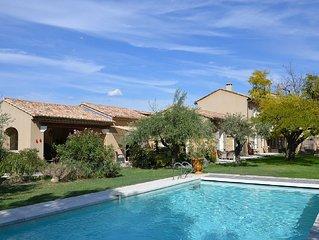 Bastide de prestige et charme, vue montagne,  piscine chauffee  ,espace loisir
