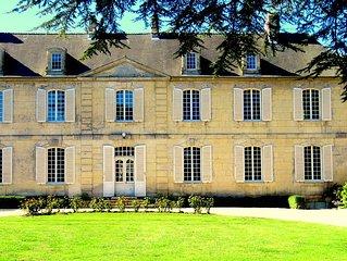 Chambres d'Hôtes entre Caen et Bayeux Château les Cèdres, la chambre d'Agathe