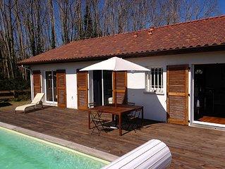 Loue très belle Villa avec piscine, très calme, proche lac, plages,et golfs