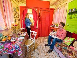 Roulotte d' hôtes avec Jacuzy  Piscine chauffée  HAMMAM - SAUNA PRIVATISÉ