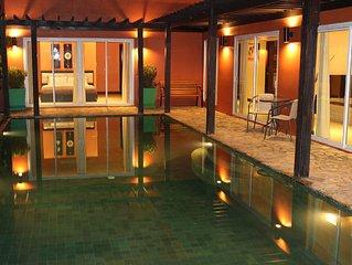 Villa Hugo, Propriete Privee de 3 chambres avec Piscine et Jardin
