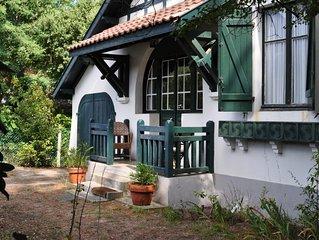 Charmante petite villa des annees 30 avec jardin.